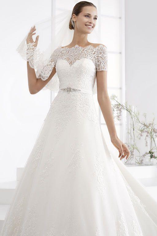Robe de mariée Nicole Couture Versailles | Robe, Idées vestimentaires et Mariage robe dentelle