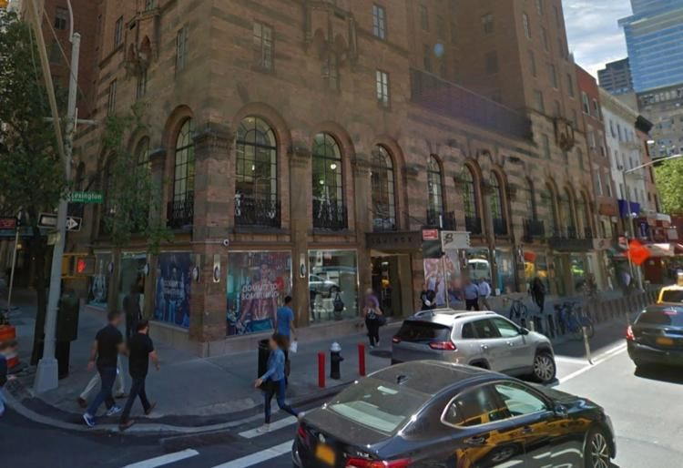 Upper East Side Condo To Sue Equinox Gym Over Noisy Weights Workouts Equinox Gym Equinox Nyc Gym