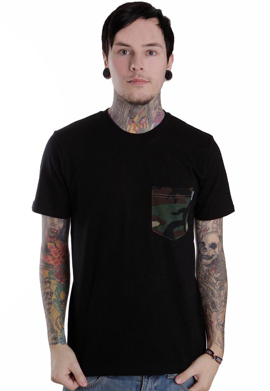 Carhartt-pocket-camo-black-camo-green-t-shirt