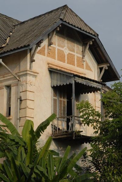 Colonial Laos Week End House In 2019 Colonial Architecture