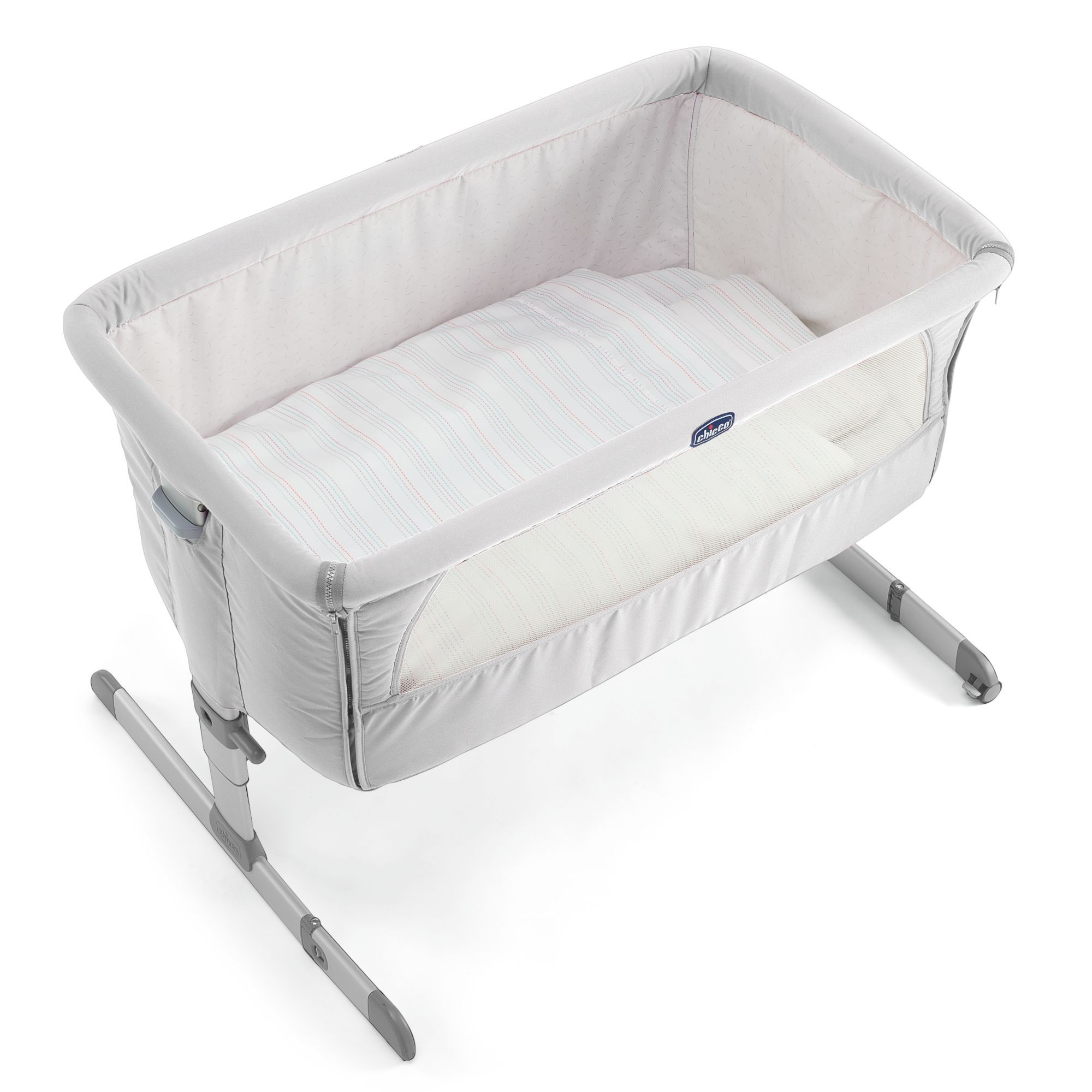 Special enclosed crib for premature babies - Chicco Next 2 Me Bedside Crib Silver
