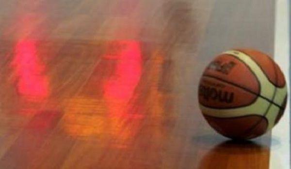 Δείτε τον πιο απίστευτο τραυματισμό σε αγώνα μπάσκετ. Βίντεο