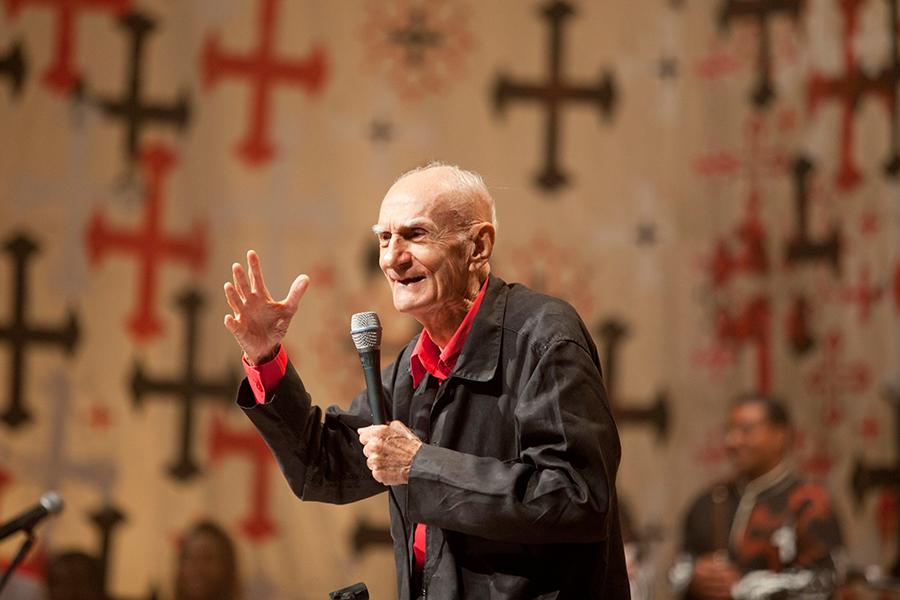 Ariano Suassuna: escritor morre, aos 87 anos, em Recife | #LivrariaCulturaEbookLiteratura, #AcademiaBrasileiraDeLetras, #ArianoSuassuna, #MarceloBrandão, #Recife, #TeatroDoEstudanteDePernambuco