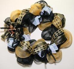 Custom Football Wreaths // New Orleans Saints