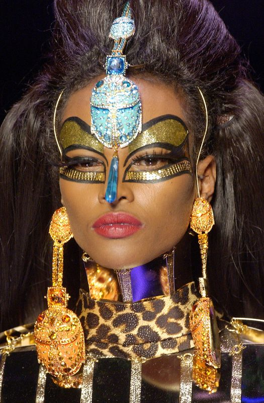 Yasmin Warsame from Christian Dior Haute Couture Spring/Summer 2004 fashion show