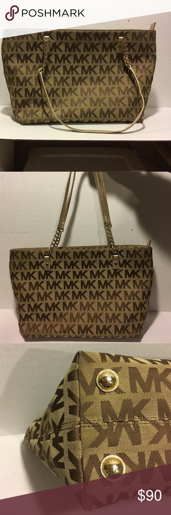 Michael Kors pocketbook- E-1307 Excellent condition- slight wear on bottom corners KORS Michael Kors Bags Totes