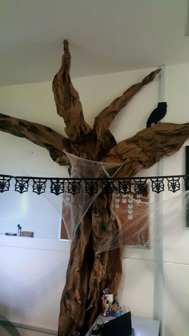 Enchanted forest Your office in the woods, halloween decor