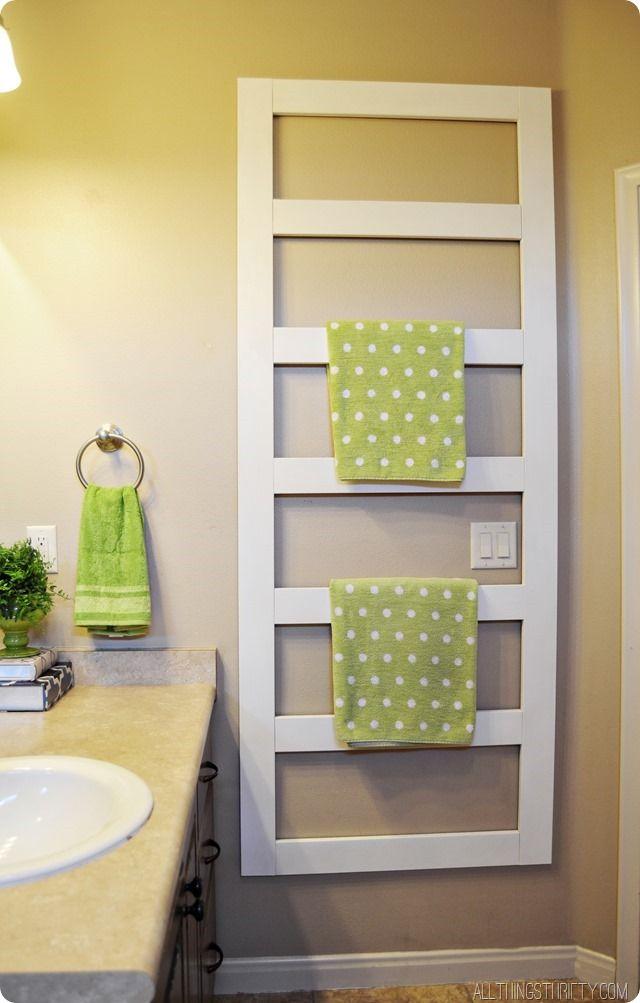 DIY Ladder Towel Rack For The Bathroom @allthingsthrift #BathroomIdeas  #TowelLadder