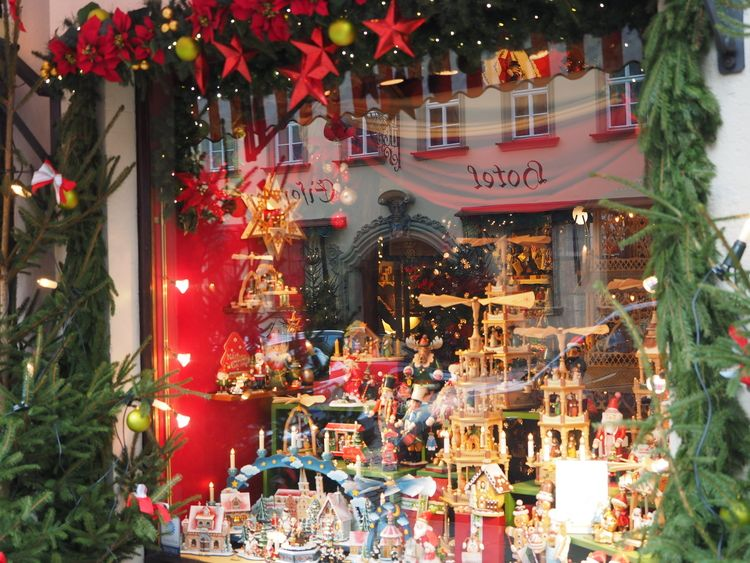 Christmas Shopping in Rothenburg ob der Tauber