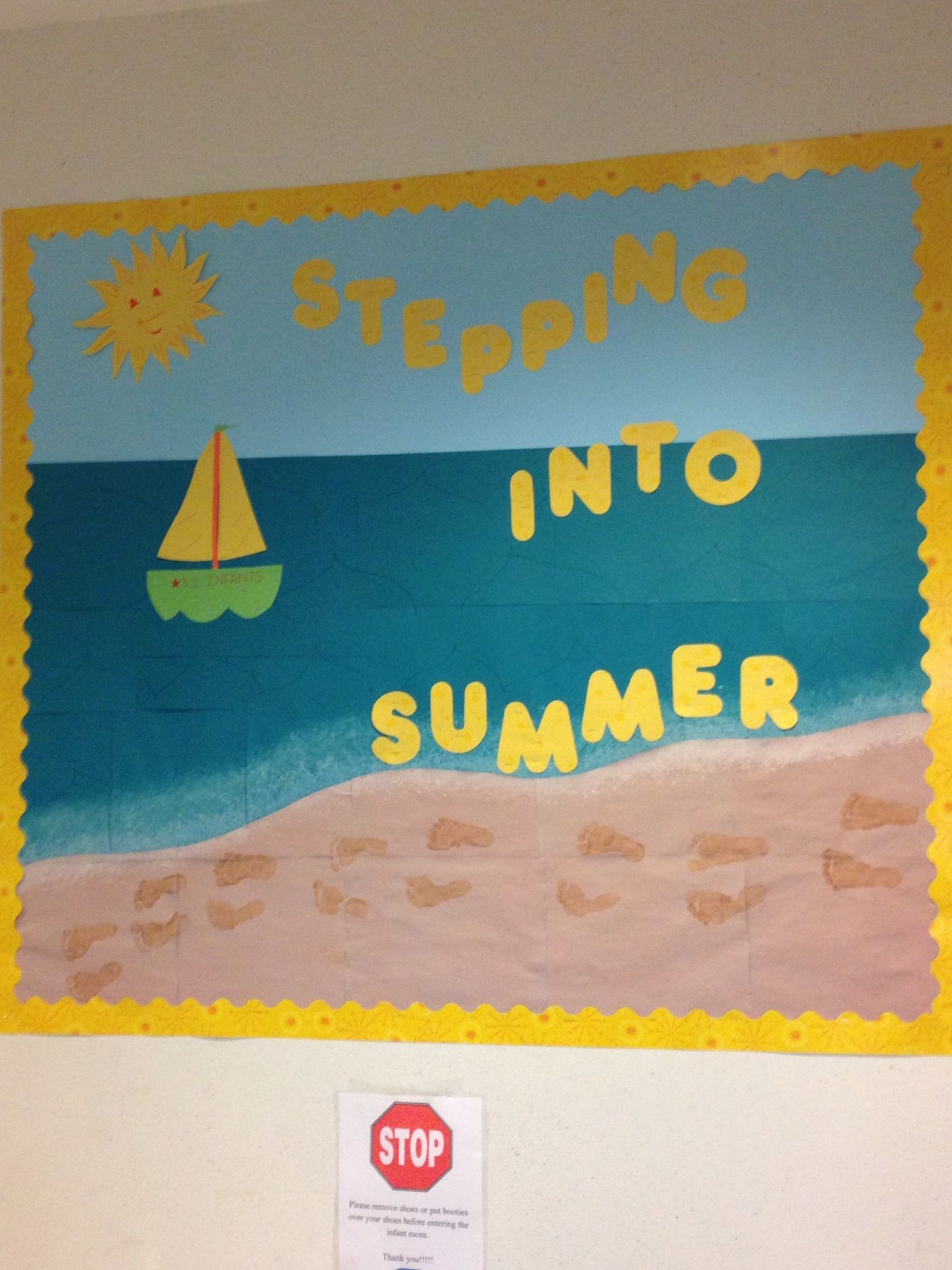 Summer Classroom Decorations : Summer bulletin board use kids footprints to make