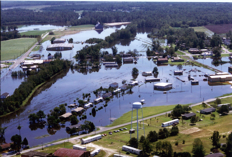 Hurricane Floyd Massive Flood Waters Hurricane Floyd Hurricane Pictures Us History