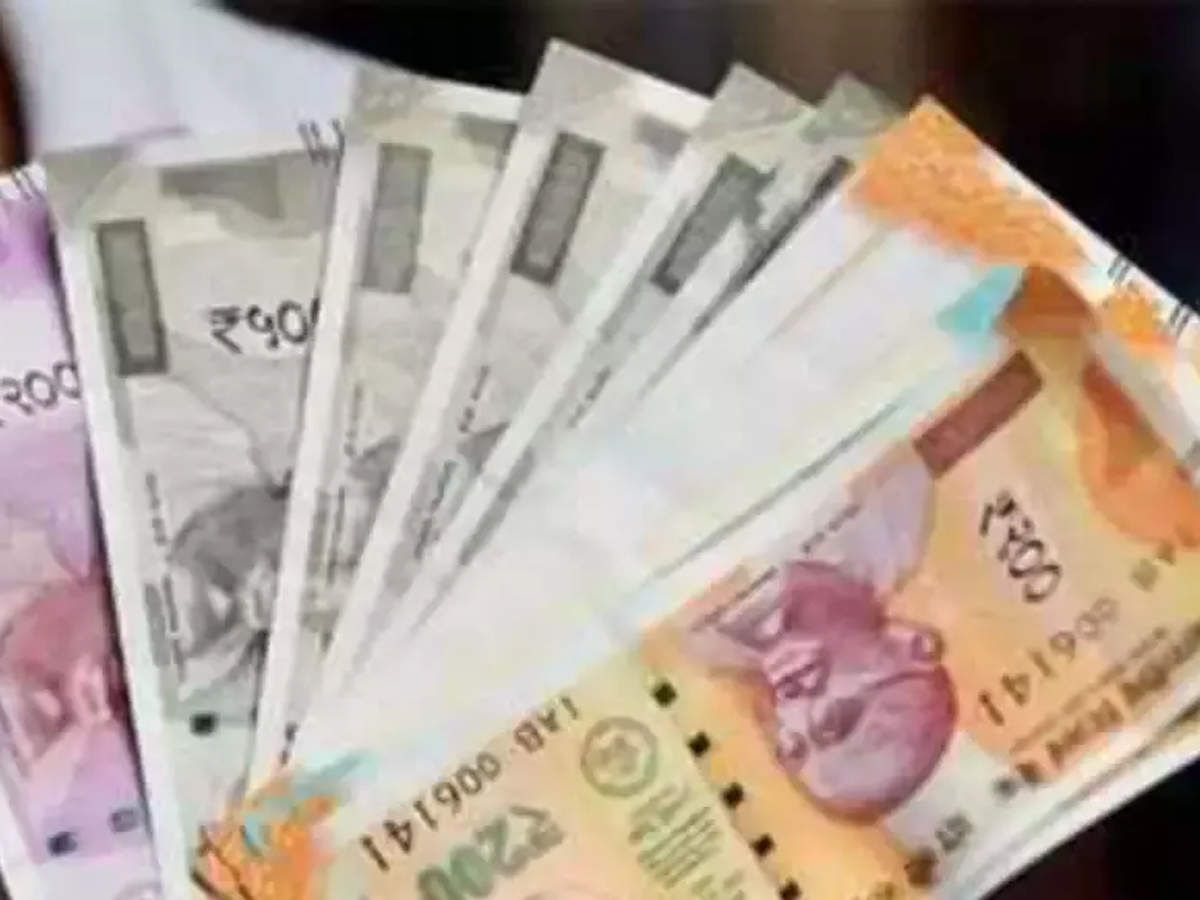 Indian Rupee Rises 8 Paise To 70 79 Against Us Dollar On Easing