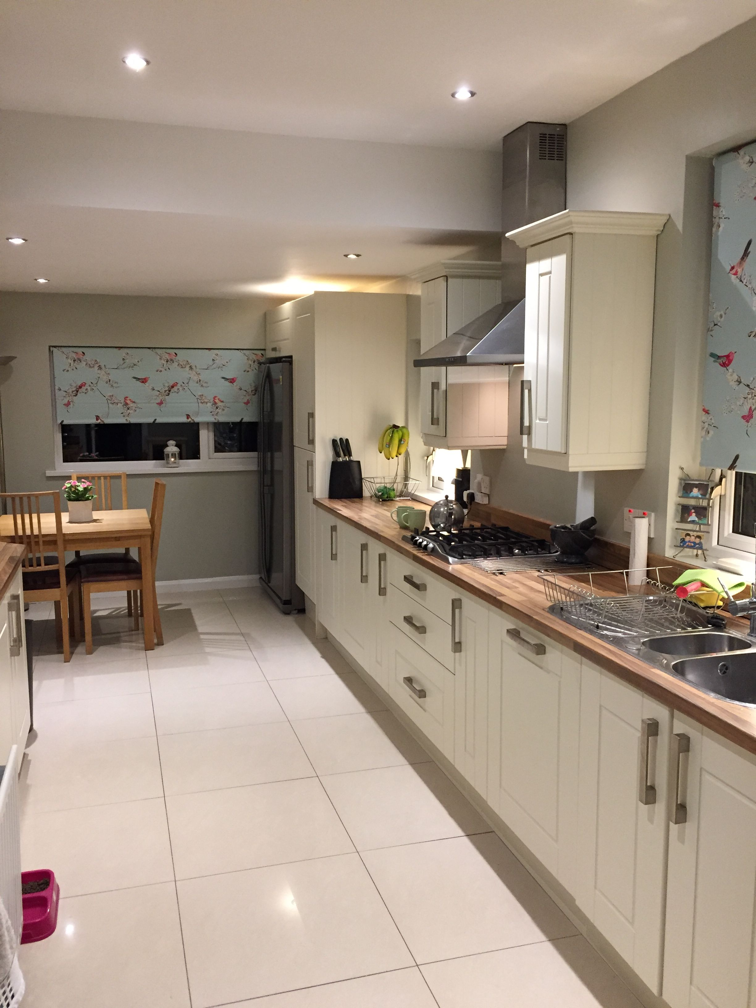 Best Kitchen Decor For Shaker Units Farrow And Ball Cromarty 400 x 300