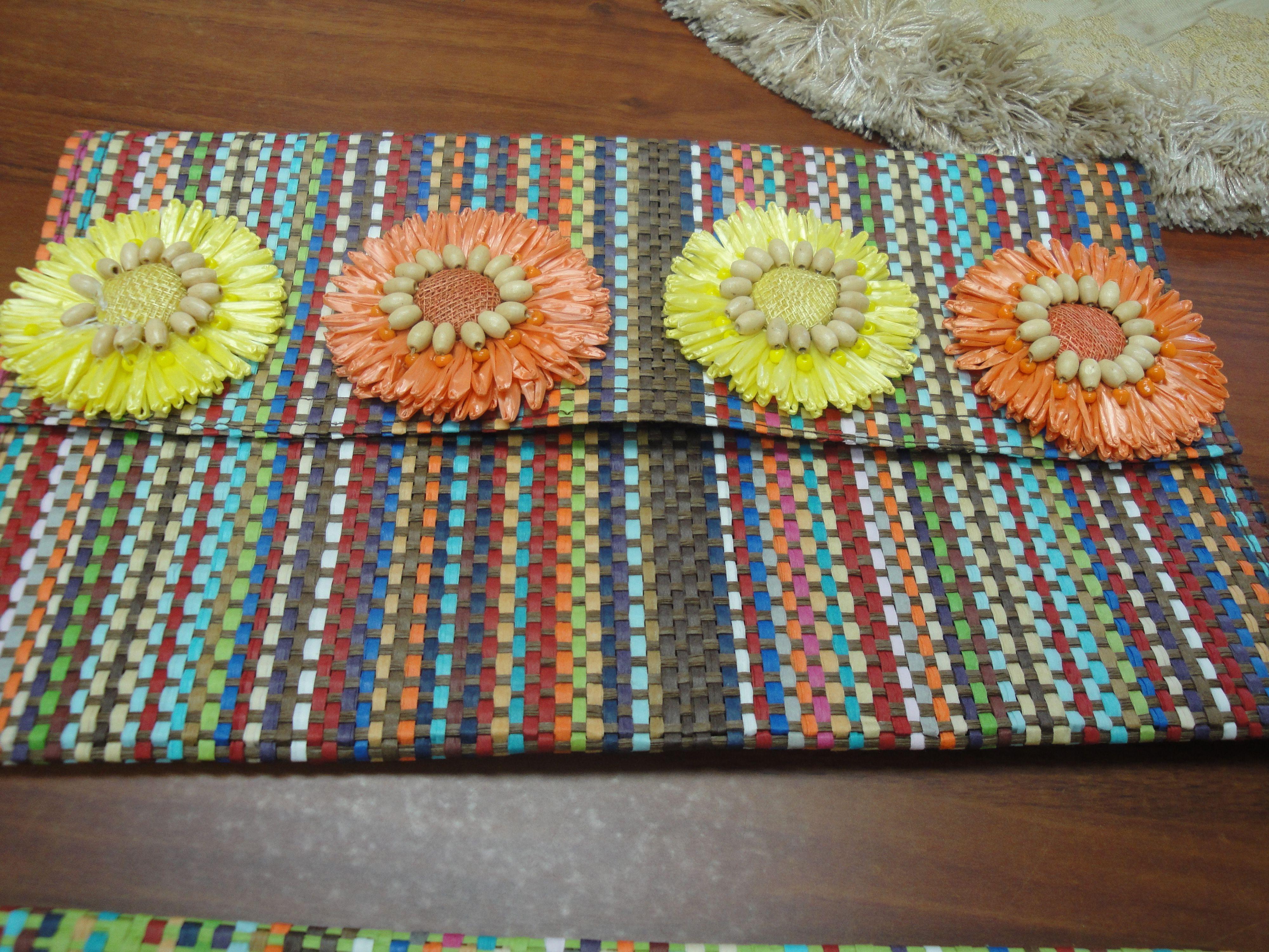 Carteras hechas con individuales de mesa carteras hechas a mano pinterest crochet and craft - Individuales para mesa ...