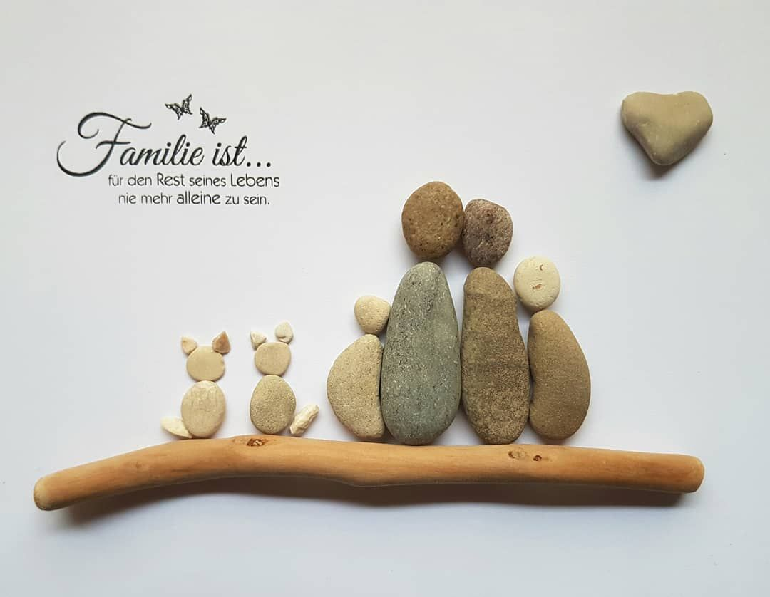 Sonderauftrag nach Kundenwunsch ❤#kieselkunst #steine #kieselsteine #kiesel #stones #pebbles #pebblesart #tamikra #selfmade #kreativ #creativ #Familie #Geschenk #Steinkunst #artwork #artoftheday #art #kunst #Ostsee #Rhein #Familie #family #cats #katze #steinbilderselbermachen