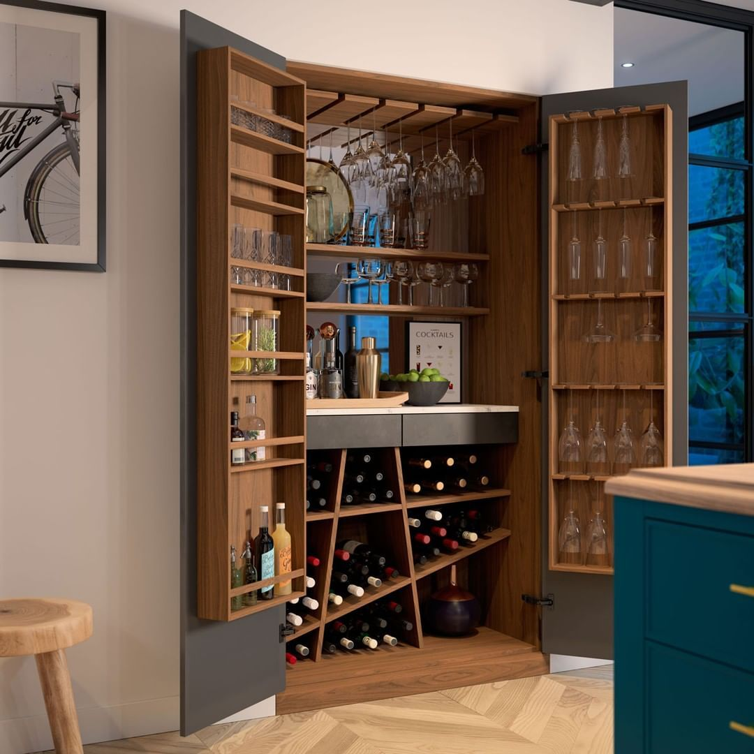 Built in drinks cabinet | Bar storage cabinet, Drinks ...