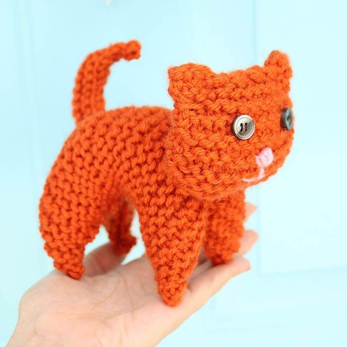 EASY Plush Cat Free Knitting Pattern by Gina Michele   Free Pattern ...