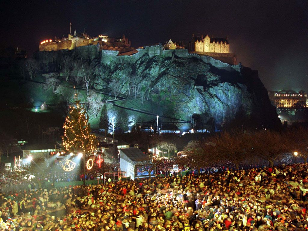15 Best Places To Celebrate New Year S Eve Around The World Edinburgh Attractions New Year S Eve Around The World Edinburgh