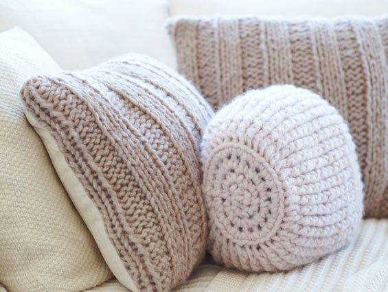 stricken kissen kissen und decken pinterest gestrickte kissen kissen und stricken. Black Bedroom Furniture Sets. Home Design Ideas