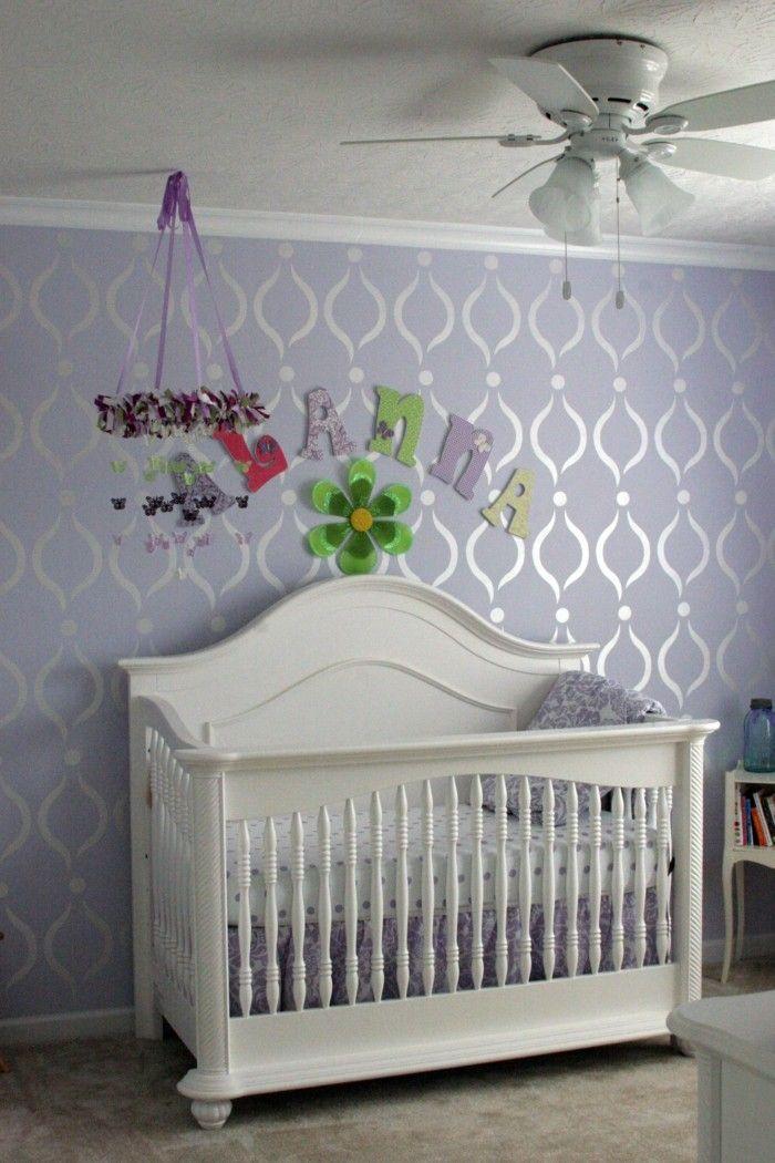 Die Farbe Lila babyzimmer wandgestaltung ideen wandtapeten muster