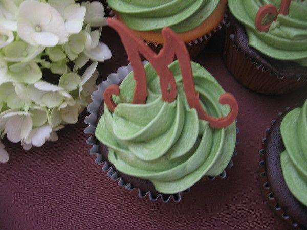 Wedding Cakes and Cupcakes Wedding Cakes Photos on WeddingWire