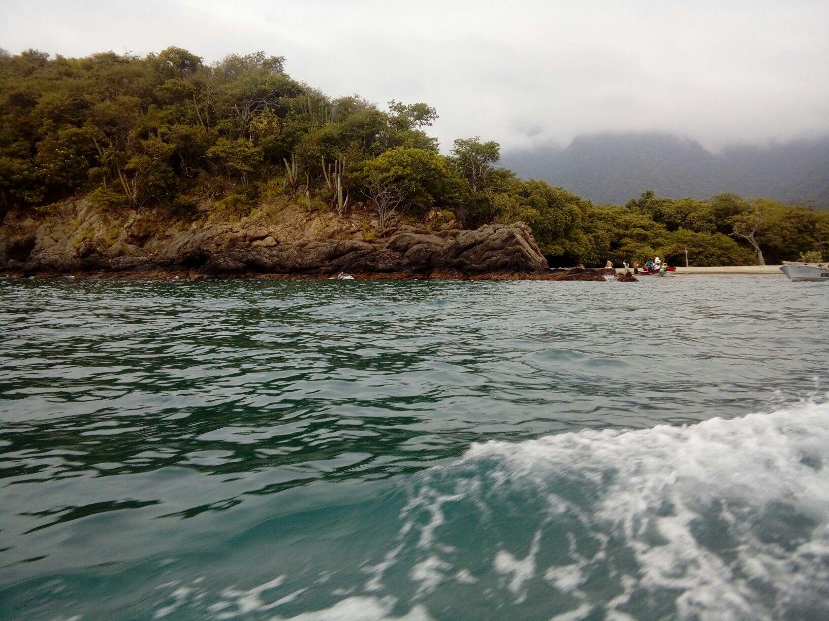 Playa cristal #Colombia #PlayadelMuerto playa del muerto #deadbeach #SantaMaría #ViveLaMagia