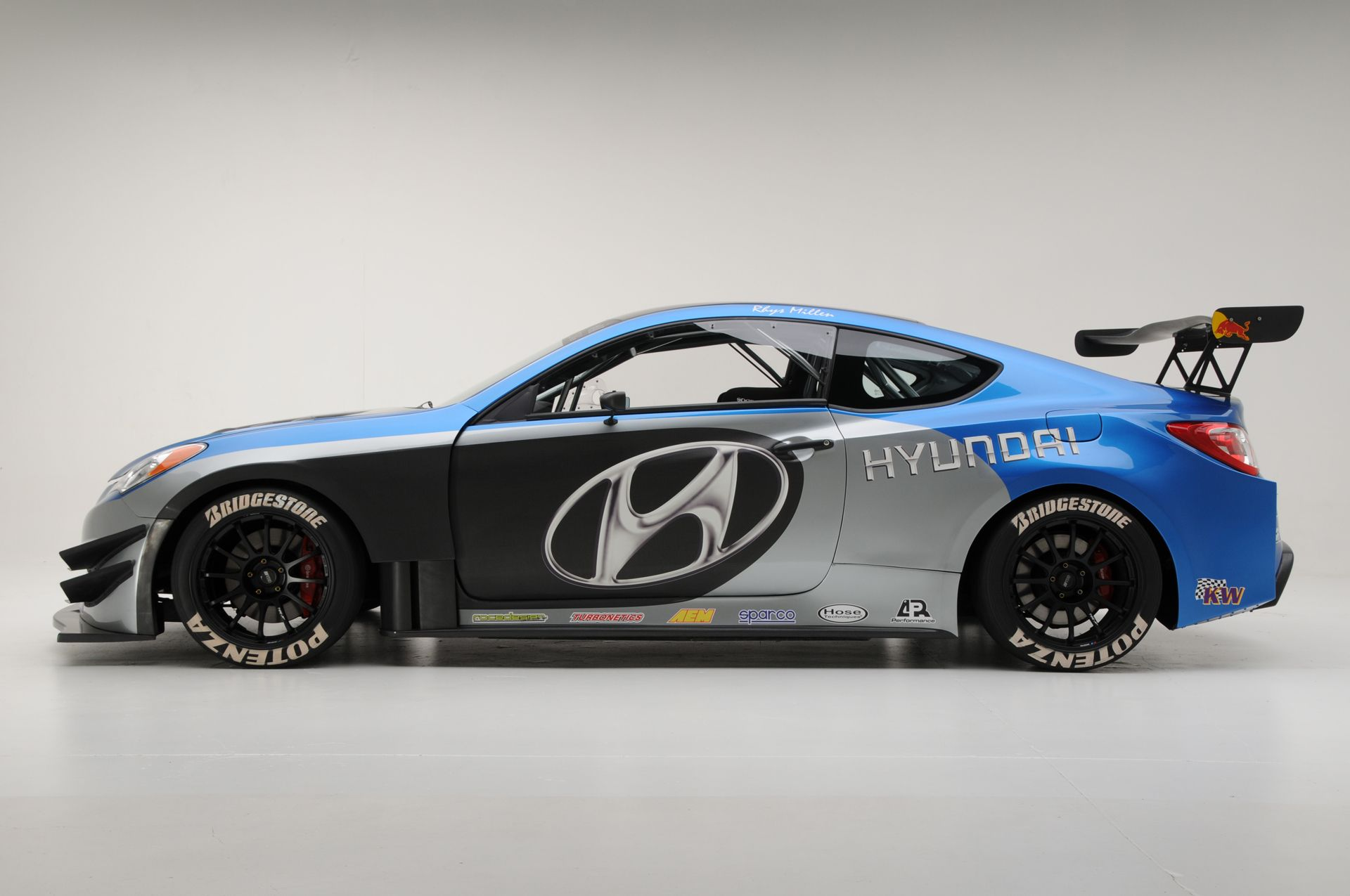 Hyundai Genesis Coupe (With Images)