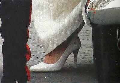 Scarpe Da Sposa Kate Middleton.Through The Sole A Shoe Blog The Royal Wedding Kate Middleton S