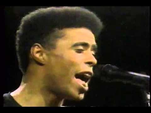 YouTube: Hassan Hakmoun/Zahar on Night Music 1989