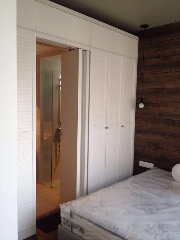 Luorve hidden door to the toilet Modern closet doors