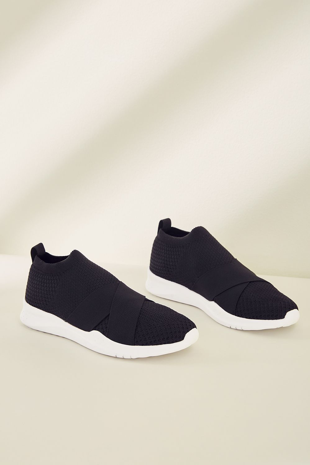010362b488f78 Fabletics Fashion Cardiff Strap Sneaker Womens Black White Size 11 ...