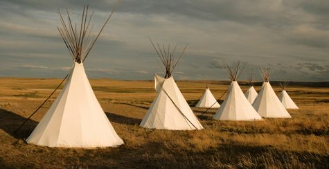 Native americans & http://elmccabe.tumblr.com/post/97296787104/native-american-tents ...