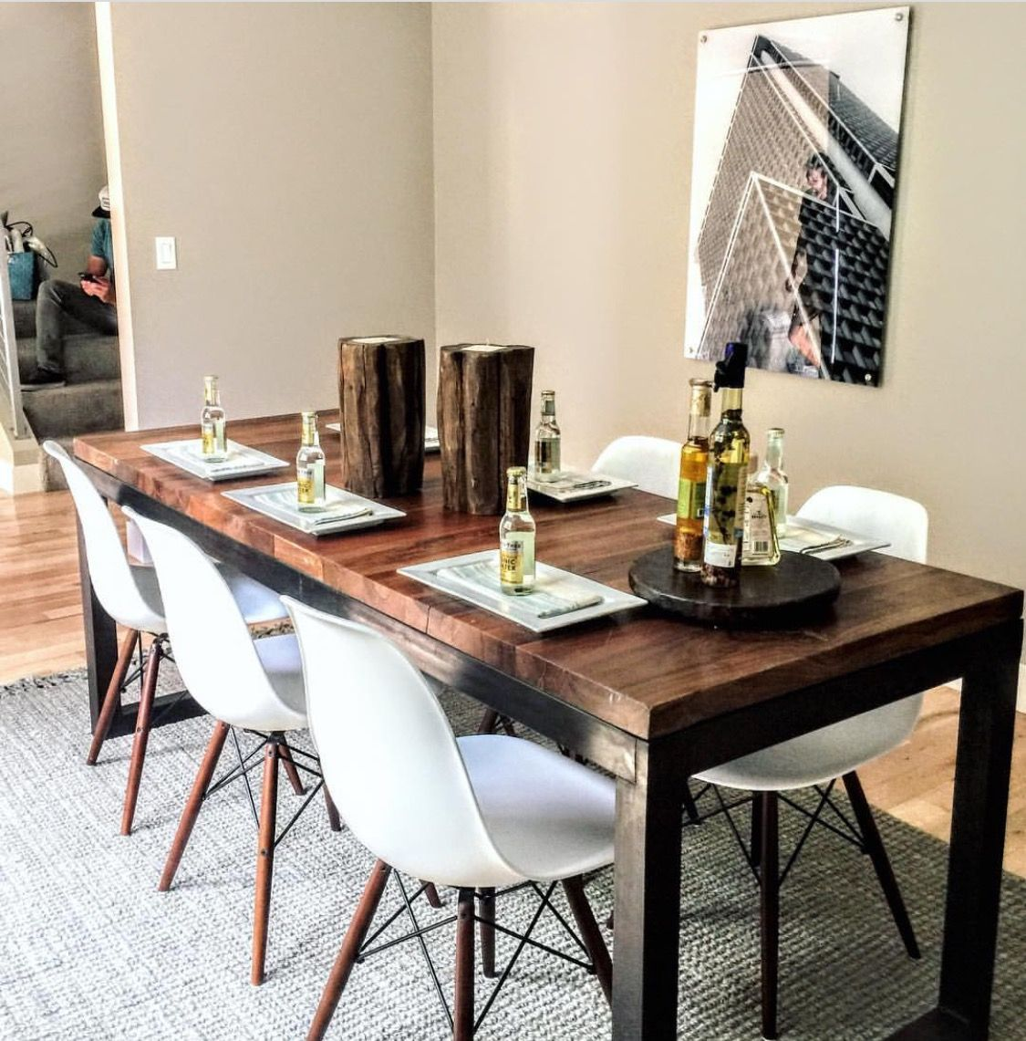 Home Staging Dining Room Table: Modern Dining Room, Dining Table