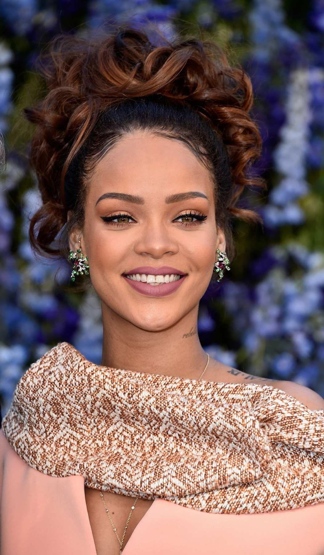 Rihanna Is Draped in Dior at Paris Fashion Week