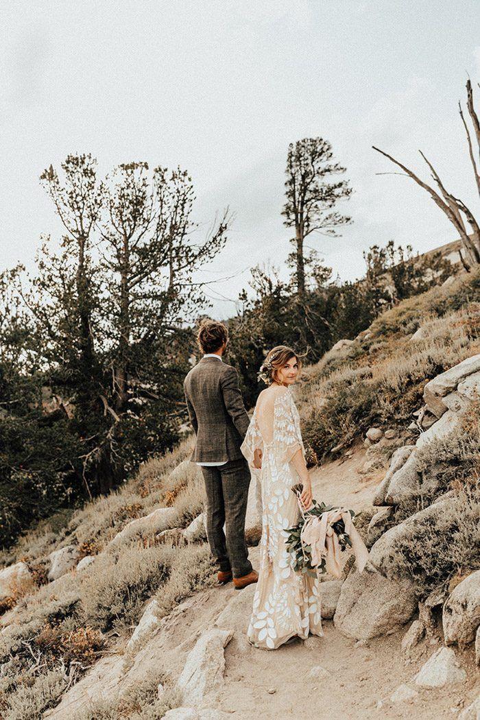Adventurous mountain elopement inspiration | Image by Autumn Nicole Photography #couple #coupleportrait #cutecouple #mountainweddinginspo #elopementinspiration