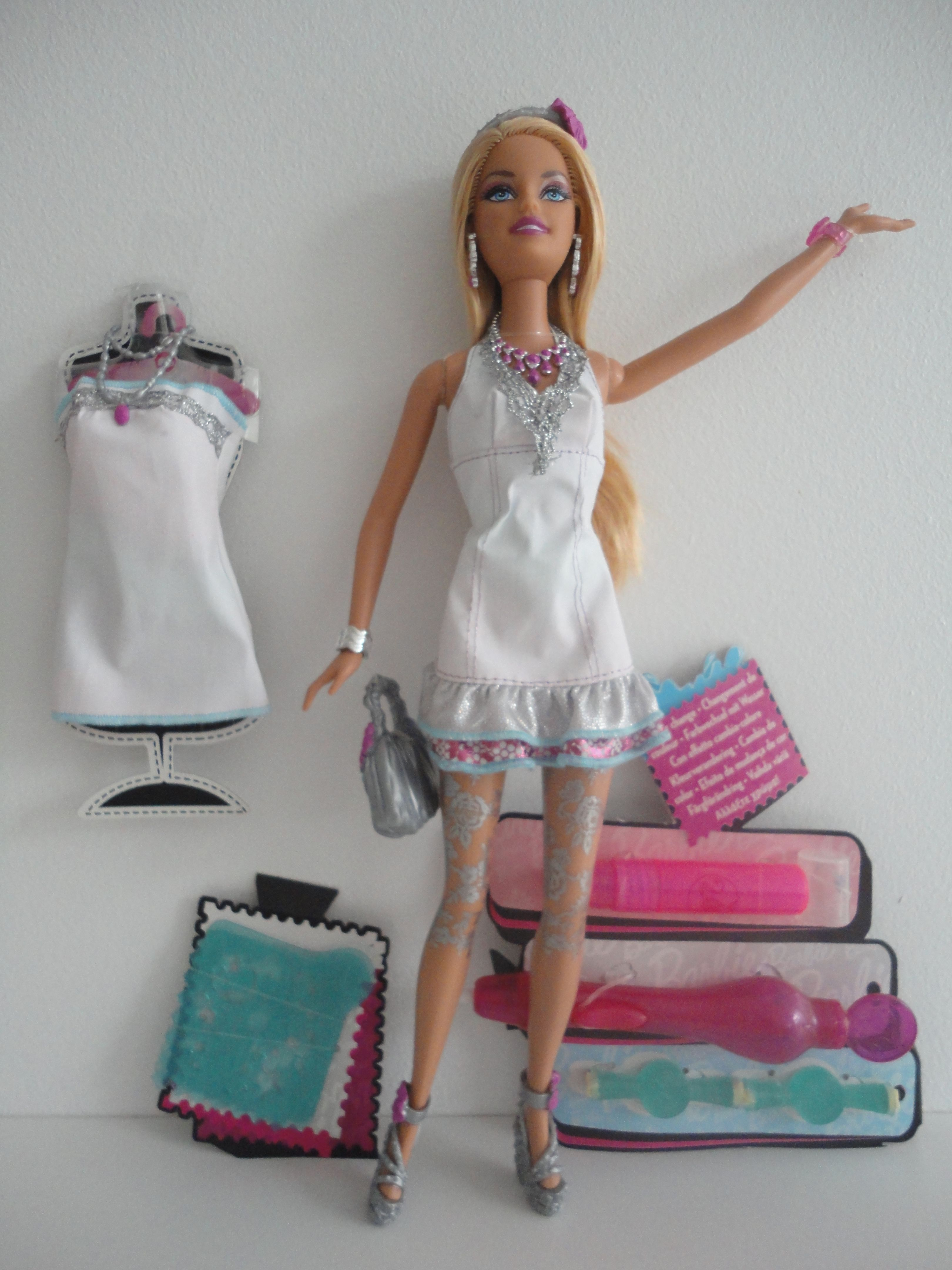 Barbie H2o Design Studio Bd2009 R4279 In 2020 Barbie Barbie Fashion Fashion