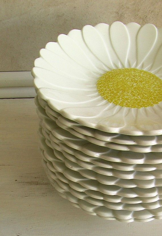 Vintage French Gien Plates 1960 Set of 12 Daisy Pattern