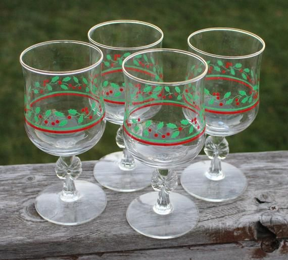 8 Vintage Arby/'s Libbey Christmas Holiday Holly /& Berry Glass Goblets Gold Rim