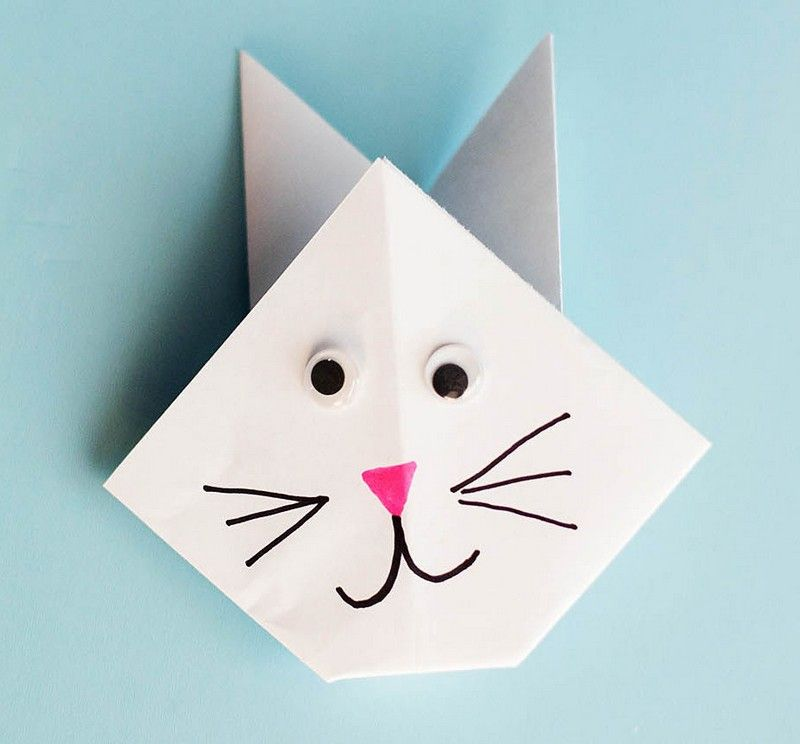 origami facile pour les petits enfants pliage en forme de lapin petits papiers et rubans. Black Bedroom Furniture Sets. Home Design Ideas
