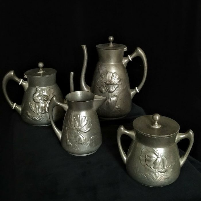 Online veilinghuis Catawiki: Hugo Leven voor Kayserzinn -  Complete koffie & thee set - Kayserzinn 4111 en 4189