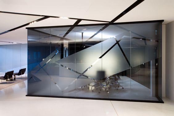 Pin Von T1 Glass Systems Pte Ltd Auf T1 Single Glazed Partition Moderne Buroraume Moderne Raumausstattung Moderne Einrichtung