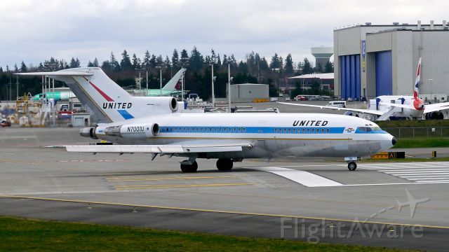 United Airlines, Boeing 727-100 (N7001U) at (KPAE) The first B727 built and now owned by Museum of Flight taxis onto Rwy 16R on 2/22/16. The aircraft is a B727-22 (ln 1 / cn 18293).