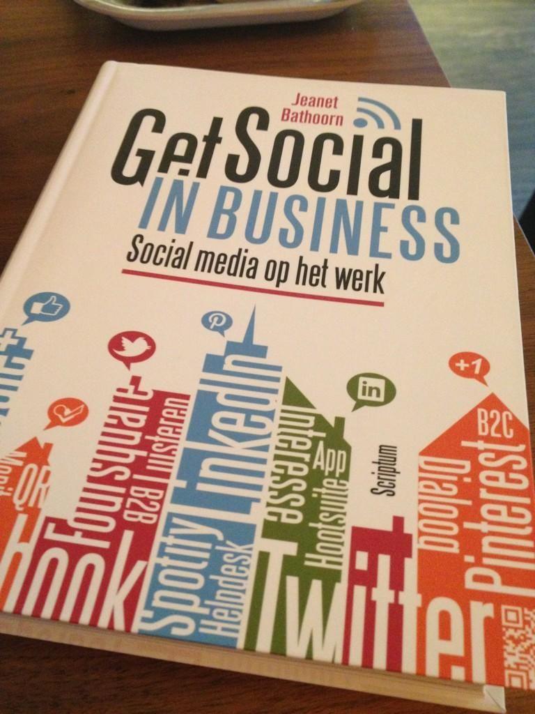 Even m'n laatste social media kennis op peil brengen met dit nieuwe boek van @JeanetBathoorn #getsocialinbusiness. Van Gerrit Draad.