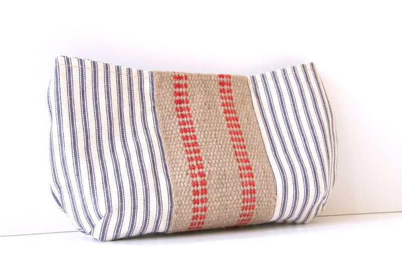 nautical clutch purse in red, white and blue. $26.00, via Etsy.