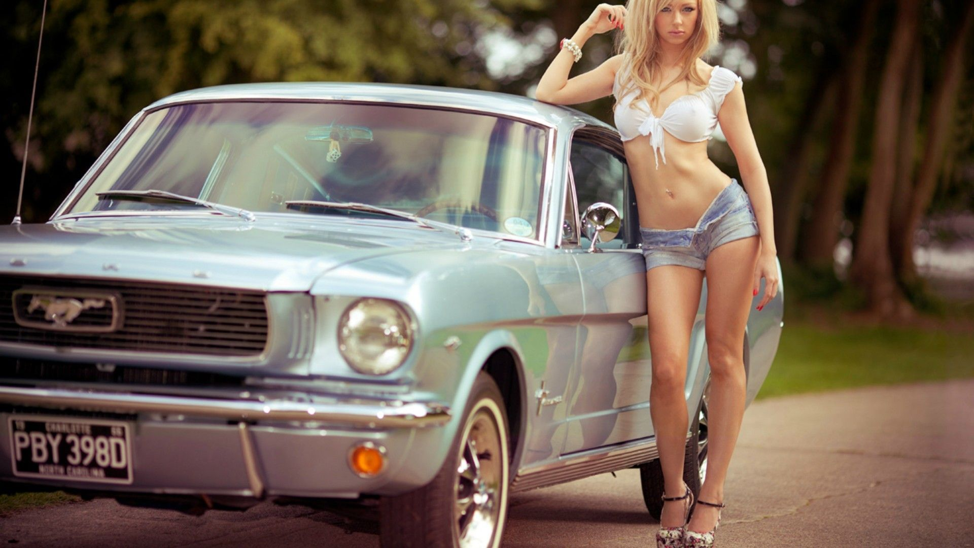 Girl with ford mustang