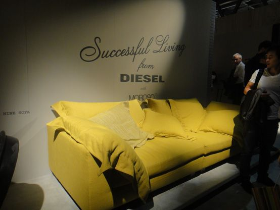 Sofá colaboración entre Diesel y Moroso en la Feria del mueble de Milán 2012.