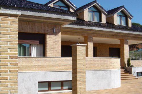 Fachada de casas ladrillo caravista frente casa pinterest for Fachada de ladrillo