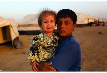 Pope Francis calls priest serving at Iraqi refugee camp - Vatican Radio - 30 August 2014