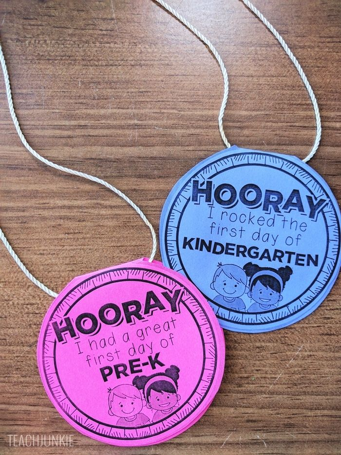 FREE First Day of School Necklaces (Editable) | Busy bees