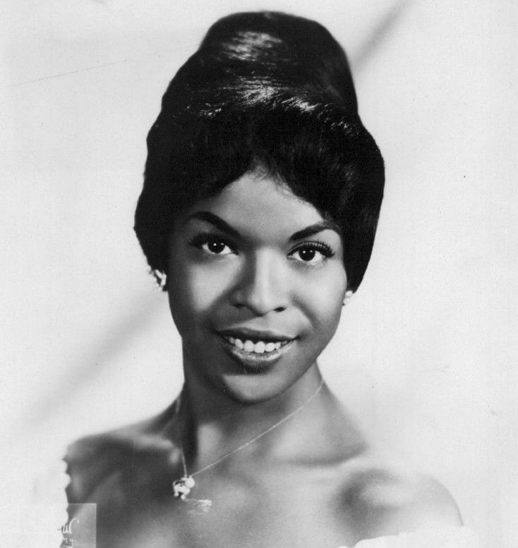 Decades Before Oprah, Della Reese Was The First Black -7842